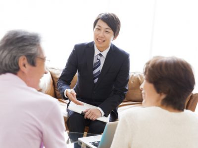 保険の営業ってどんな仕事?保険会社の仕事内容と就職する方法